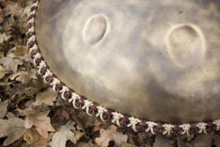 Handpan woven decoration bicolor trim